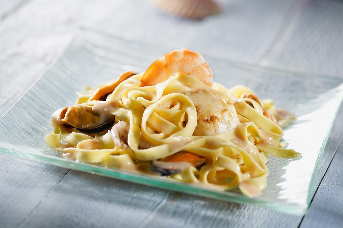 Recette de tagliatelles aux fruits de mer saint jean - Tagliatelles aux fruits de mer recette italienne ...